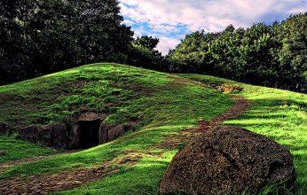 Steinzeitgrab-Denghoog-346x220.jpg