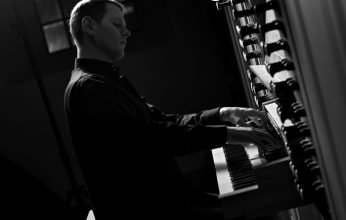 A.-Ivanov-an-der-Orgel-346x220.jpg